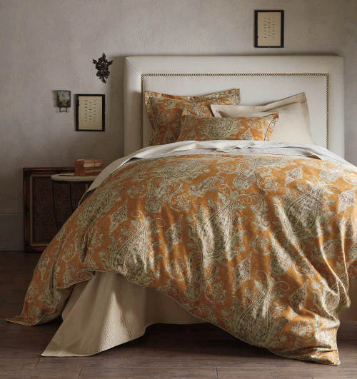 The new Peacock Alley Provence duvet and sham features an over-scaled paisley design.