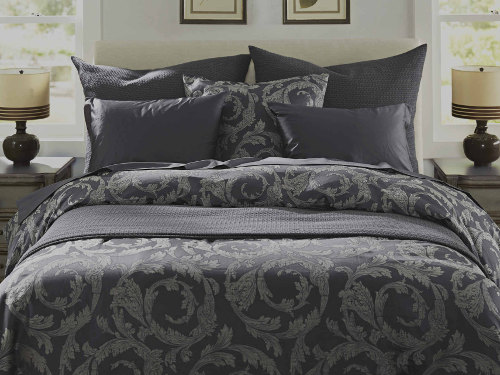 SDH Paros Indigo is 60% Egyptian Cotton/40% Linen in a woven design.