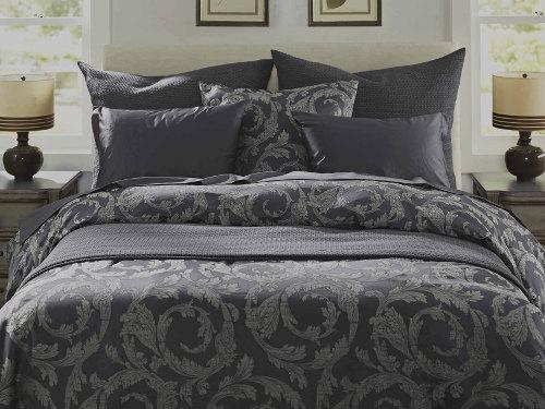 SDH Paros Indigo is 60% Egyptian Cotton/40% Linen in a woven design.
