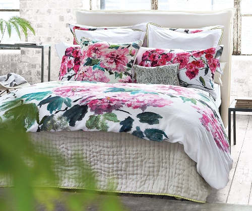 Designers Guild Shanahai Garden Peony duvet and shams.