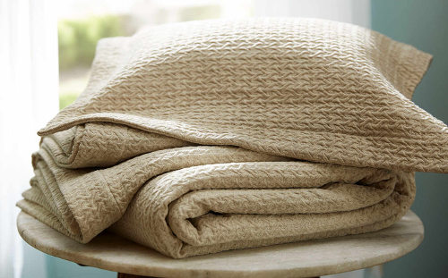 The Purists Kimi is a softly textured, all-natural cover that is the perfect weight for year-round comfort.