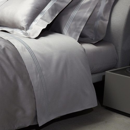 Signoria Firenze Platinum Sateen bedding features three lines of embroidery in a contrasting color.