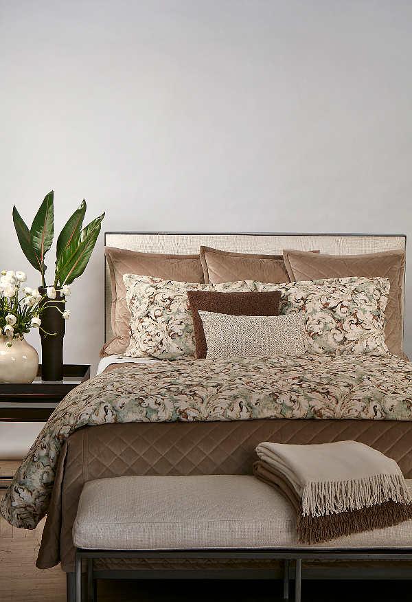 Ann Gish Acanthus Duvet Set - Art of Home Collection