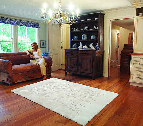 Auskin Shearling Bungalow/Lotus Rug - Room View