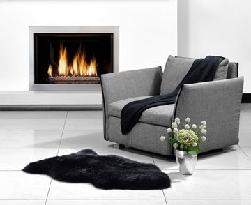 Fibre by Auskin Longwool Black Single Pelt Rugs.
