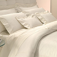Bellino Penthouse bedding is made with a single row of satin stitch between two rows of hemstitch on Flat sheets, shams, cases & duvets.