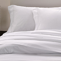 Bellino Raso Classic bedding is made with a single row of hemstitch on Flat sheets, shams, cases and duvet covers.