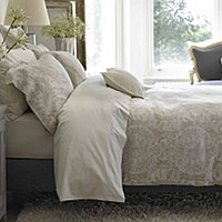 Salisbury takes the traditionally relaxed look of linen to new heights.