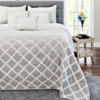 Ivory cotton quilt with Grey shading with 2 matching shams.