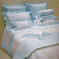 Jackie is a luxurious Egyptian cotton sateen with a generous 450 thread count from the Visconti collection.
