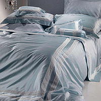 Cottimaryanne Melodia is a luxurious Egyptian cotton sateen bedding with a trimmed insert in ivory.