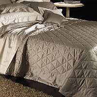 Cottimaryanne Morgana is a luxurious Egyptian cotton sateen quilted bedding with a generous 450 thread count.
