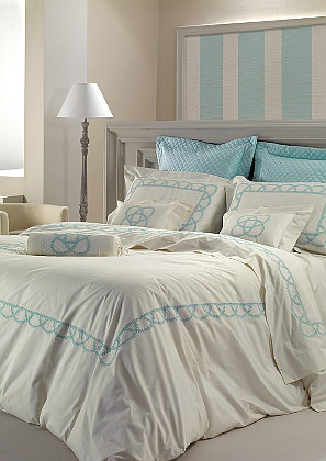 Cottimaryanne Pilar is a luxurious Egyptian cotton percale bedding with a generous 460 thread count with a custom colored embroidery.