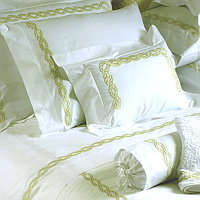Cottimaryanne Marilu includes Duvet Cover, Sheet Sets, Pillowcases, Sham, Towels and Coverlets.