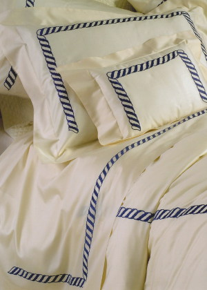 Cottimaryanne Portofino is a luxurious Egyptian cotton sateen with a generous 450 thread count available in all Visconti colors with custom colored border.