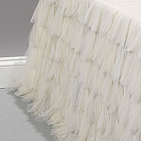 Truly stunning this bed skirt will surely to turn any bed into a statement piece.