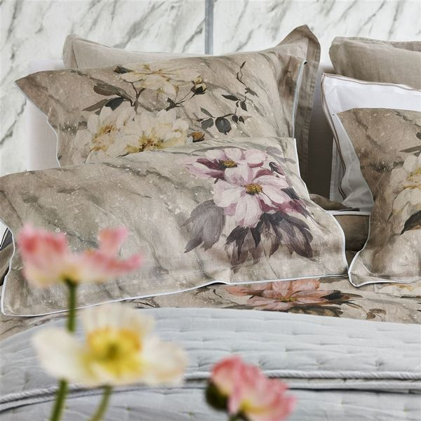 Designers Guild Designers Guild Carrara Fiore Cameo Bedding - View #4.