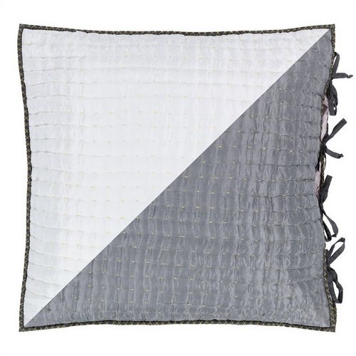 Designers Guild Chenevard Chalk & Graphite Quilt Sample