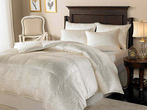 Downright Eliasa Eiderdown Comforter & Pillows