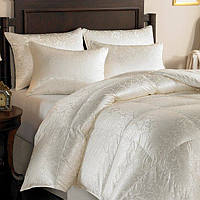 A masterpiece of unparalleled beauty and craftsmanship, this exquisite comforter will introduce you to the incredible lightness of warmth