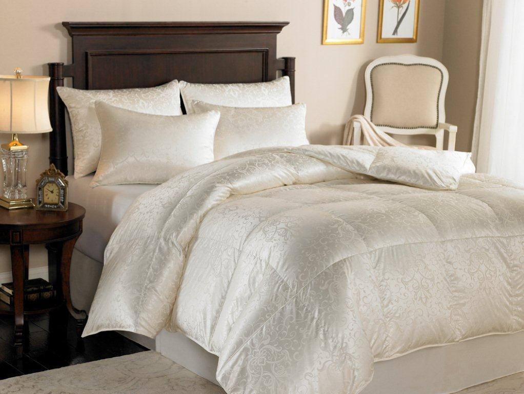 downright eliasa 920 canadian white goose down comforter and pillows. Black Bedroom Furniture Sets. Home Design Ideas