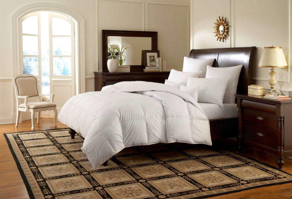 Downright Logana 920 Canadian White Goose Down Comforter and Pillows