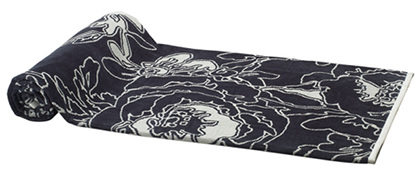 Elaiva Allurments Gray Graphic Flowers Beach Towels