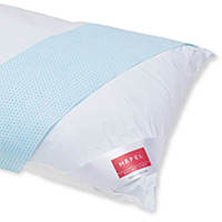 Keep a cool head. The new HEFEL Cool pillow has a pleasant cooling effect thanks to its integral fleece and ensures a comfortably balanced climate in bed