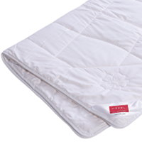The HEFEL Summerlinen quilt guarantees deep, natural sleep even at higher temperatures.