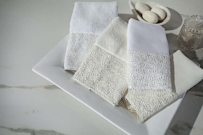 Home Treasures Arbor guest towels includes a Finger Tip Towel and Hand Towel.