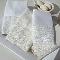 Home Treasures Arbor Guest Towels - A wide Austrian lace, with a winding vine design that is applied to the option of a 550 gramclass=