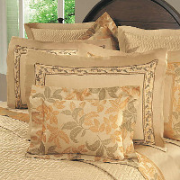 Home Treasures Autumn Bedding - A 600 thread count, 100% Egyptian cotton, Italian jacquard in autumn-themed pattern.