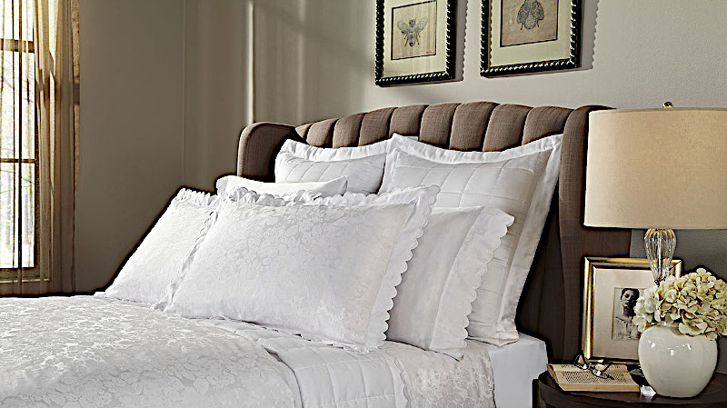 Home Treasures Blooms Bedding includes a duvet, dust ruffle, shams, pillowcases.