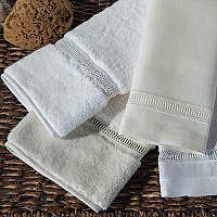 Home Treasures Doric Guest Towels - A simple Italian lace, inspired by Greek Doric architecture, is applied to the option of a 5class=