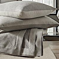 Home Treasures Geneva Blanket & Bed Scarves & Decorative Shams