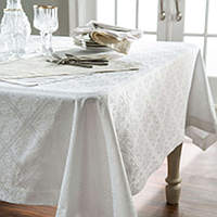 Home Treasures Luciana Scroll Table Linens - A 600 thread count, 100% Egyptian cotton, Italian jacquard, with a scroll-filled diclass=