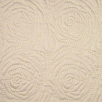 Roses-quilt-ecru-royal-sateen-thumb