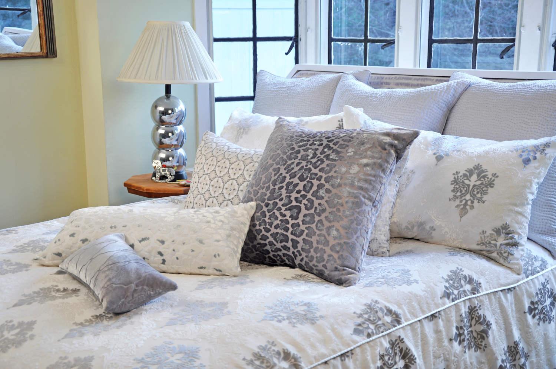 kevin obrien studio bedding brocade white velvet bedding - Velvet Bedding