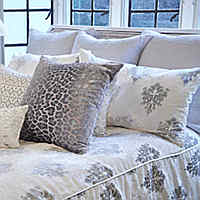 Kevin-Obrien-Studio-Bedding-Brocade-Velvet-Bedding-White-Thumb