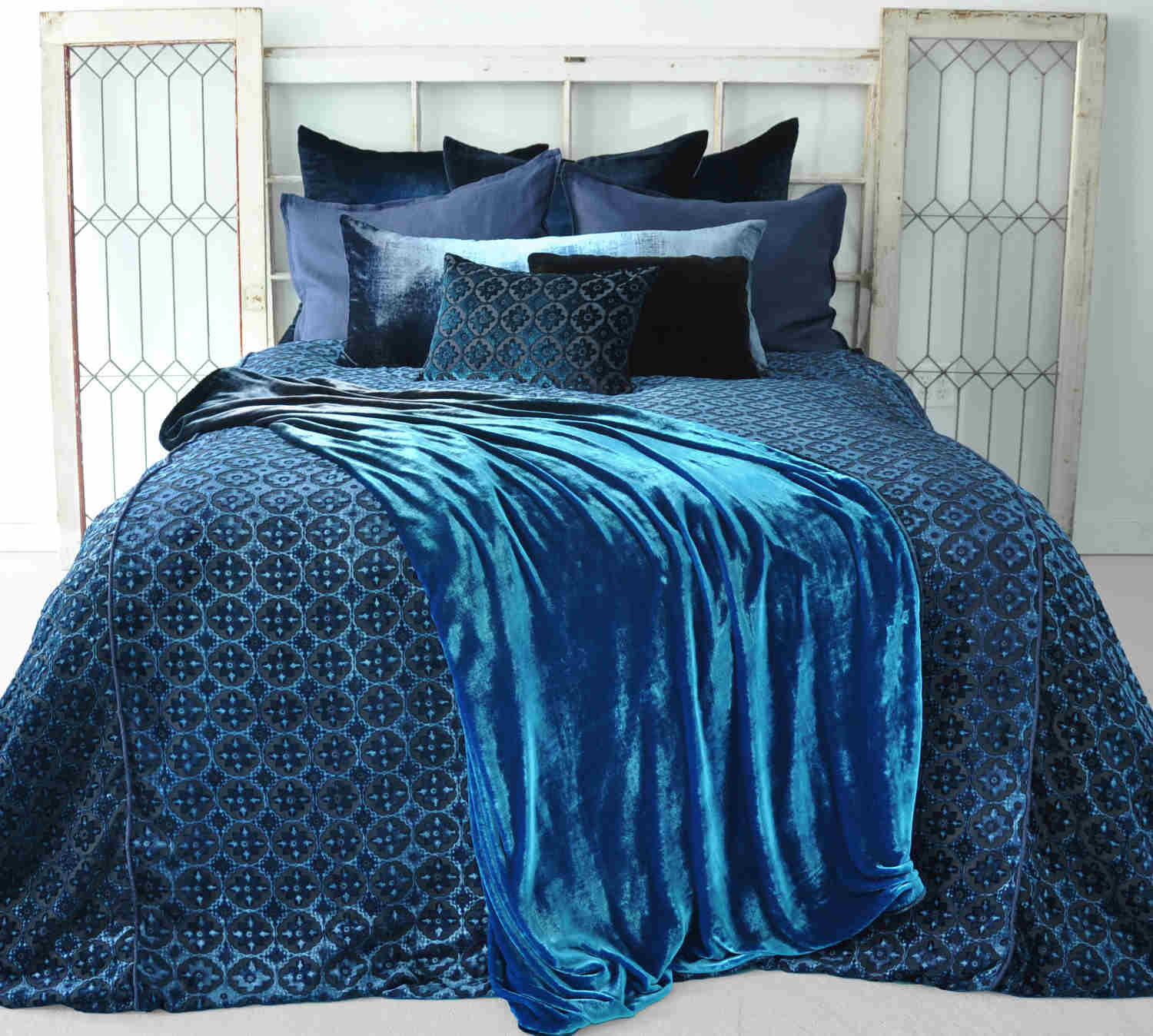 Kevin OBrien Studio Bedding - Casablanca Cobalt Black Bedding