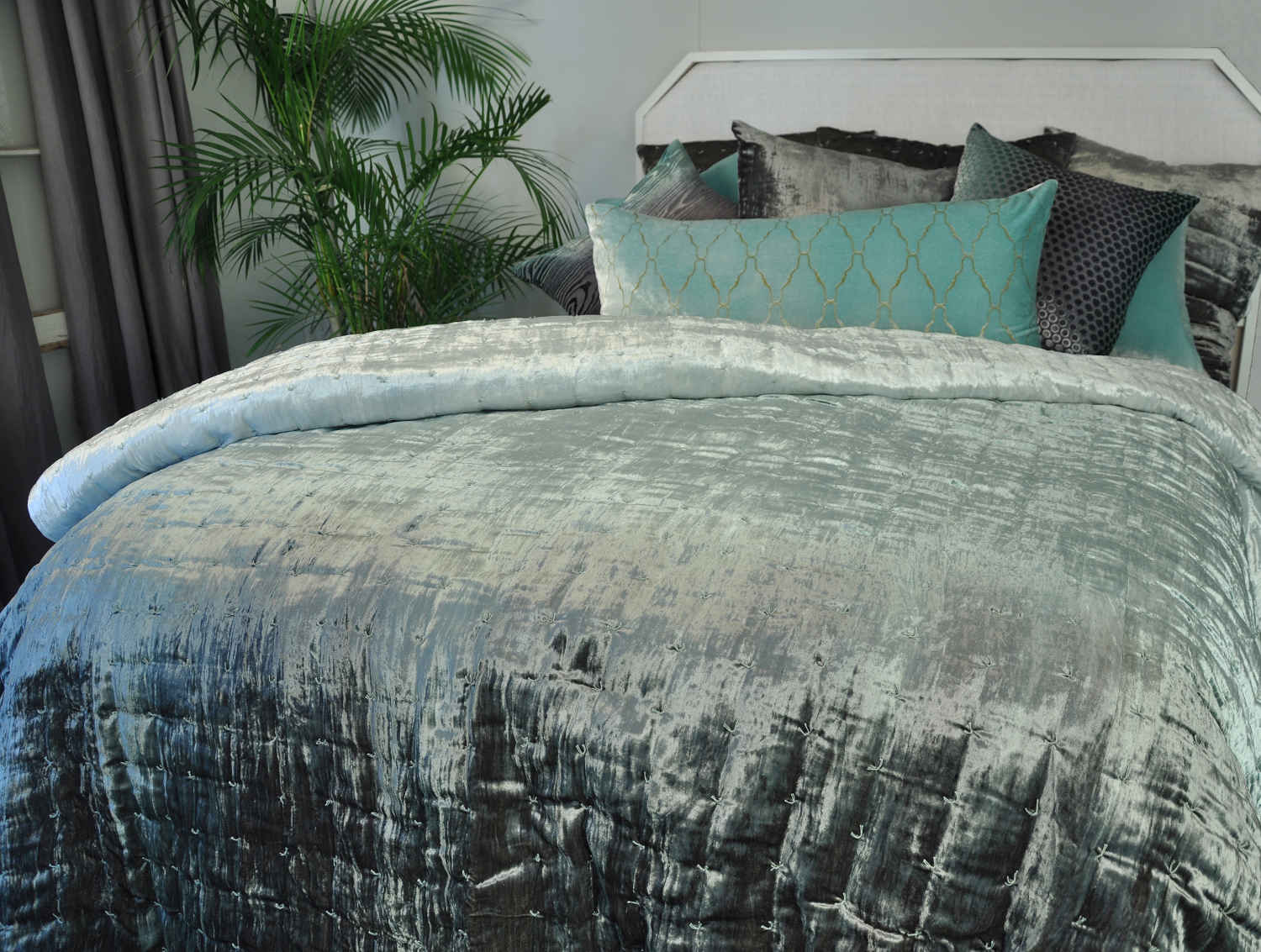 DefiningElegance.com Presents Kevin Ou0027Brien Studio Knotted Velvet Bedding.