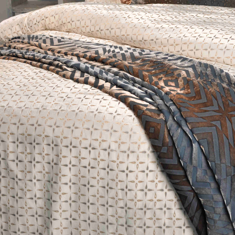 Kevin Obrien Studio Bedding Metallic Petals White Bedding