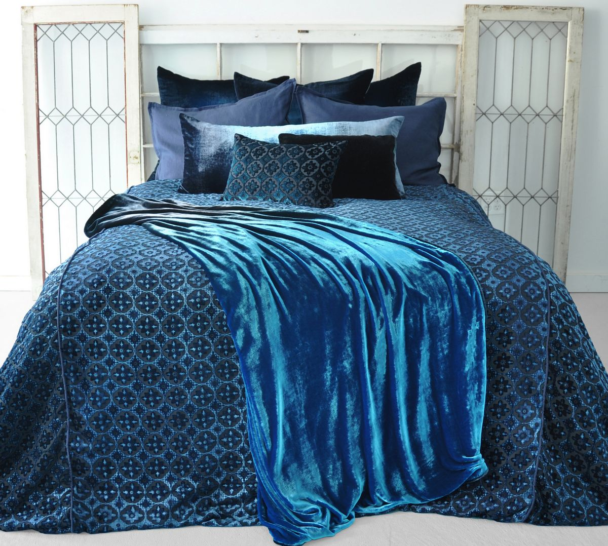 Kevin O Brien Studio Small Moroccan Velvet Duvet Amp Dec Pillows