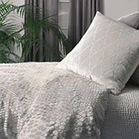 Kevin-Obrien-Studio-Snakeskin-White-Bedding-thumb
