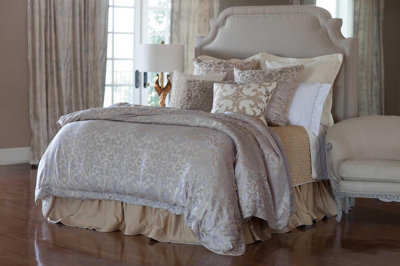 Lili Alessandra Jackie In Luxurious Silk Tencel Fabric In