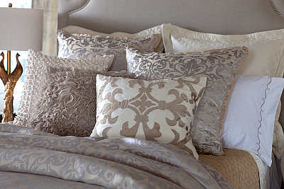 Lili Alessandra Jackie In Luxurious Silk/Tencel Fabric in Champagne with Silver Jacquard Bedding Collection