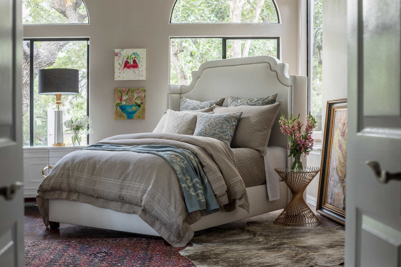 Uuu Lili Alessandra Casablanca With Accents Of Slate Bedding