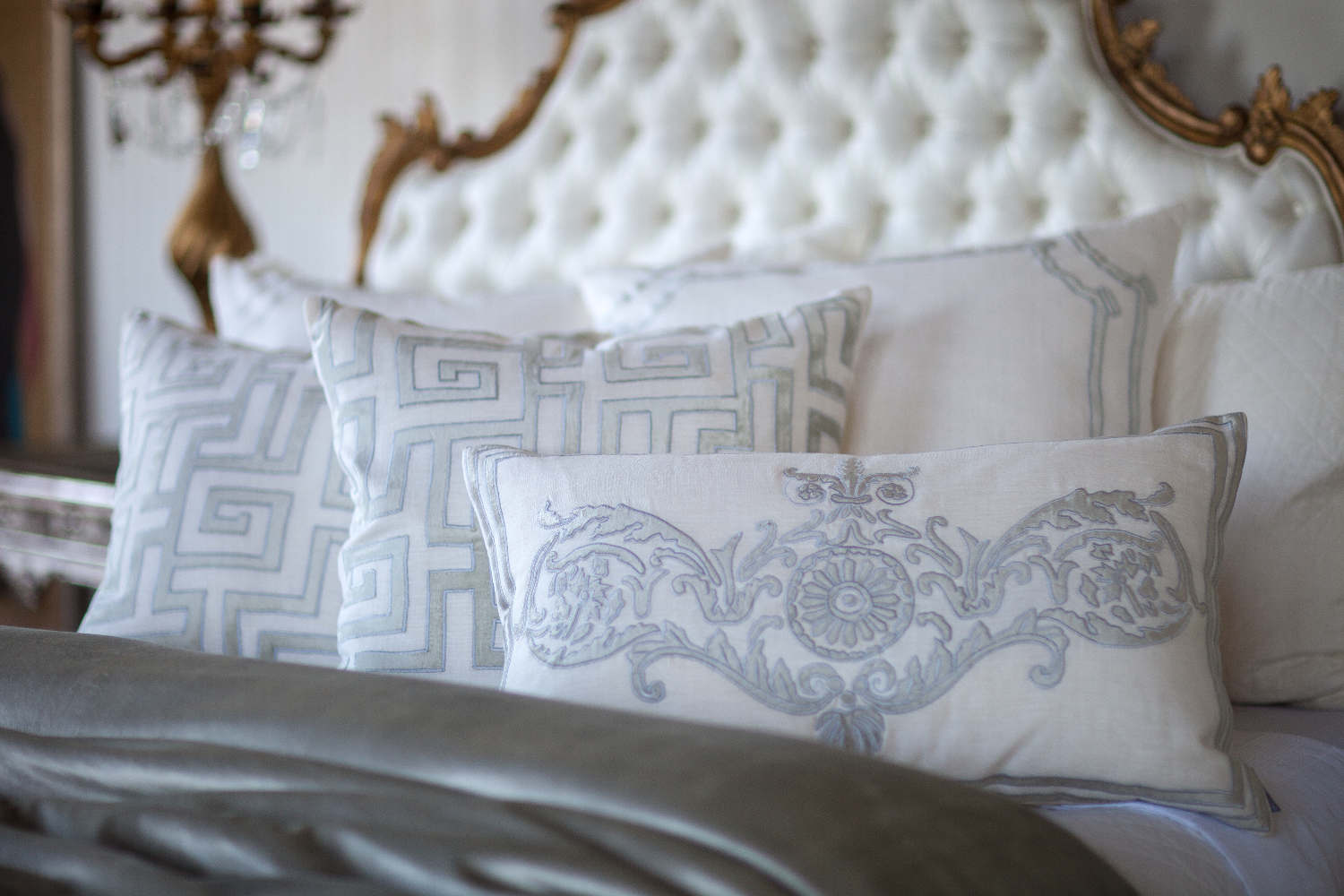 Lili Alessandra White Linen With Ice Silver Decorative Pillows