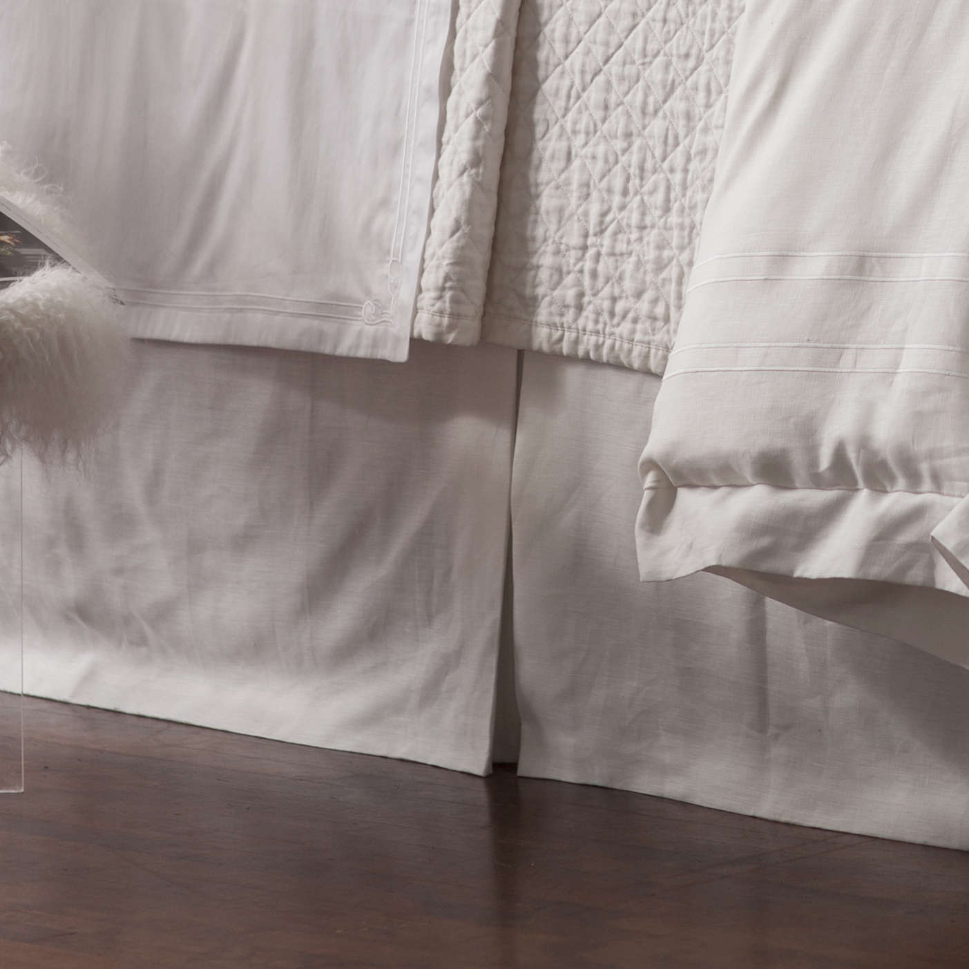 lili alessandra casablanca tailored white linen bed skirt