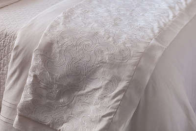 Lili Alessandra Valencia Throw with White Linen with White Linen Applique Bedding Collection.